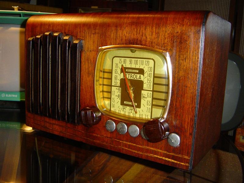 1939 Detrola 327.JPG