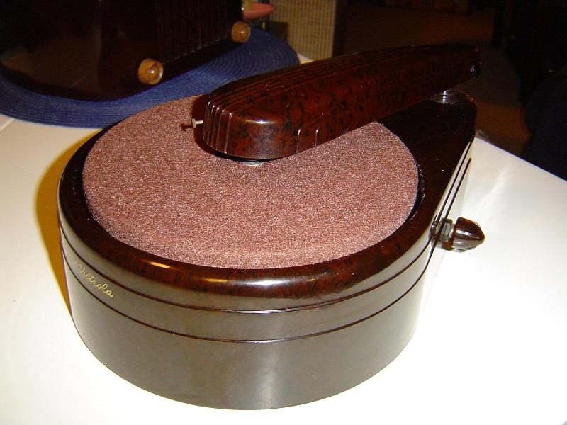 1939 RCA Victrola R-100.JPG