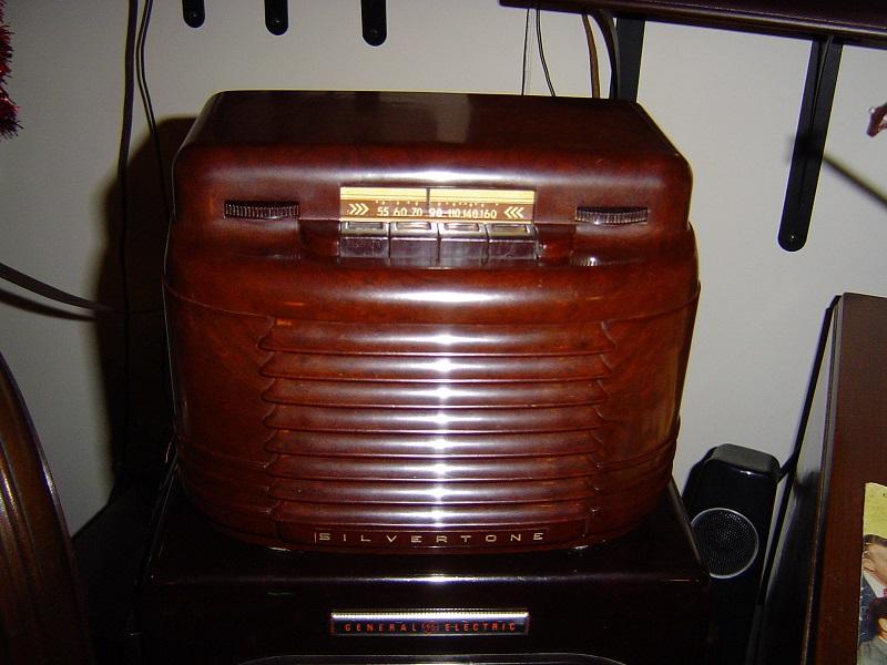 1939 Silvertone 6409 (2).JPG