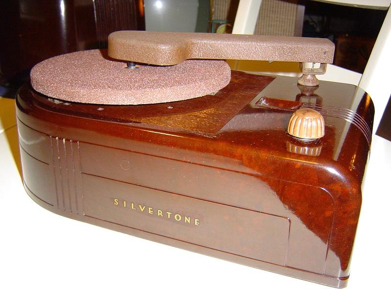 1940 Silvertone 57F05845.JPG