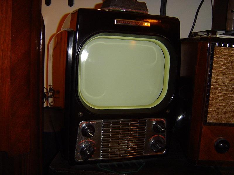 1948 GE 800.JPG