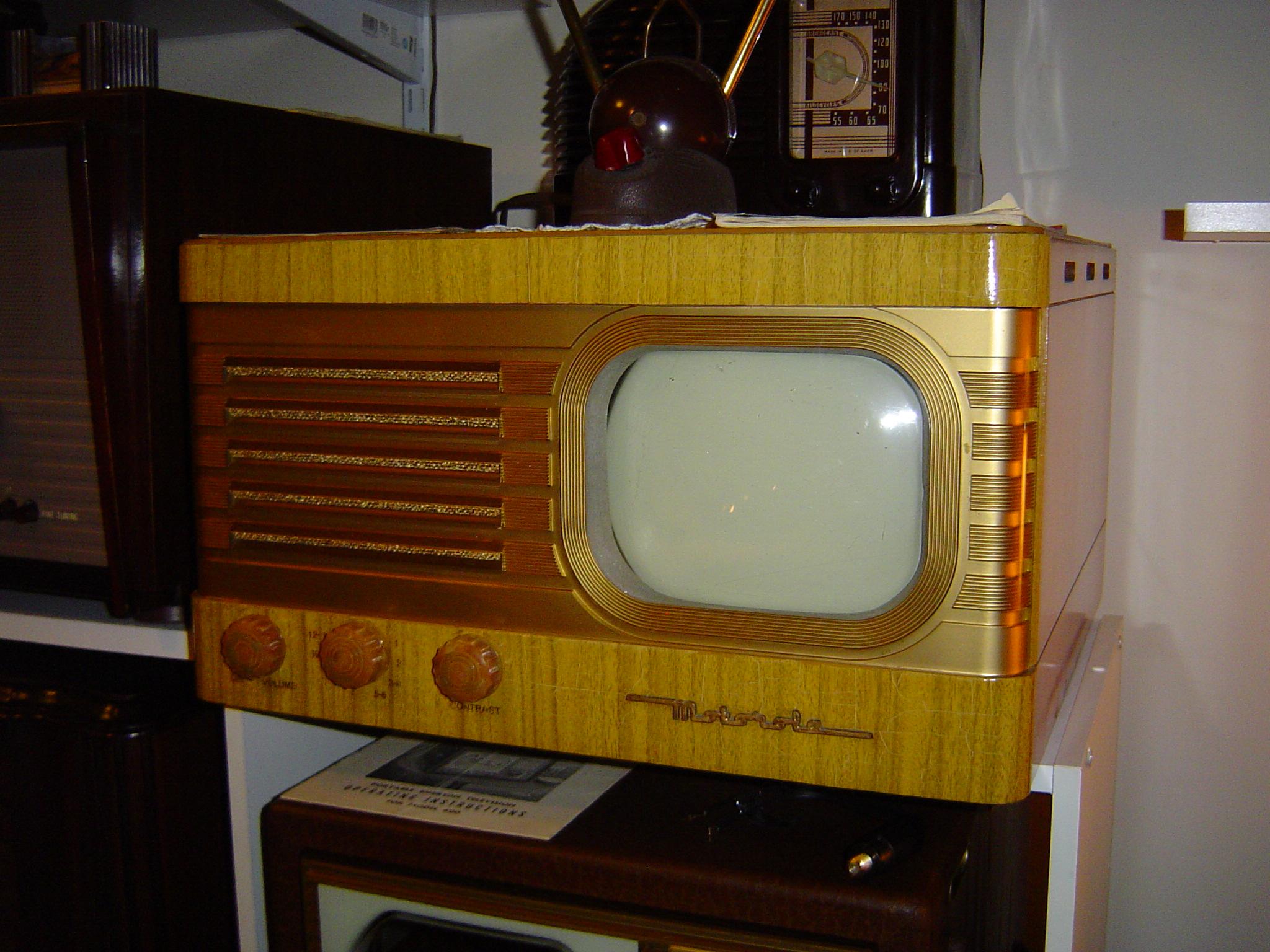 1948 Motorola TV-37.JPG