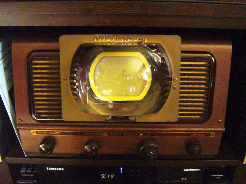 1949 Pilot TV-37 Candid TV.jpg