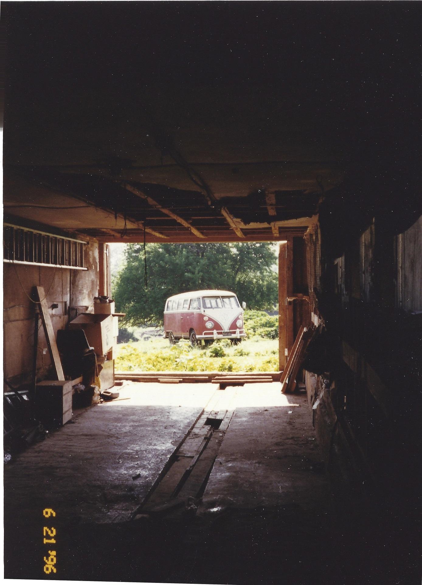1964_VW_Bus_1996_Med.jpg