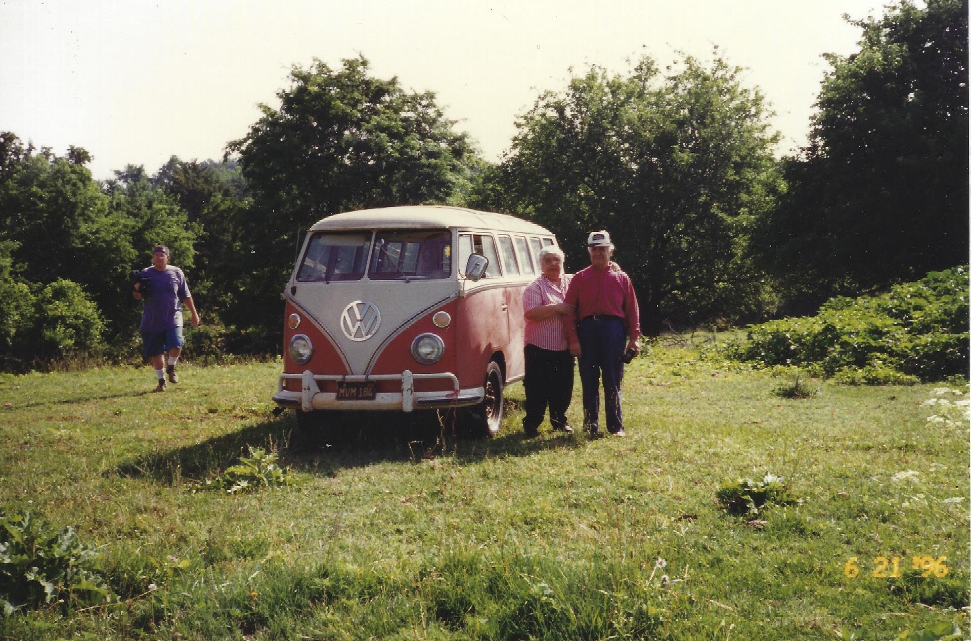 1964_VW_Bus_Original_Owners_Med.jpg