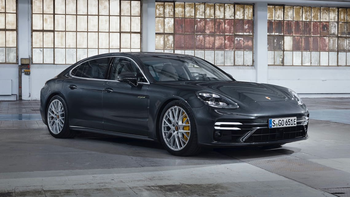 2021-Porsche-Panamera-Turbo-S-E-Hybrid-sedan-grey-1001x565-1.jpg