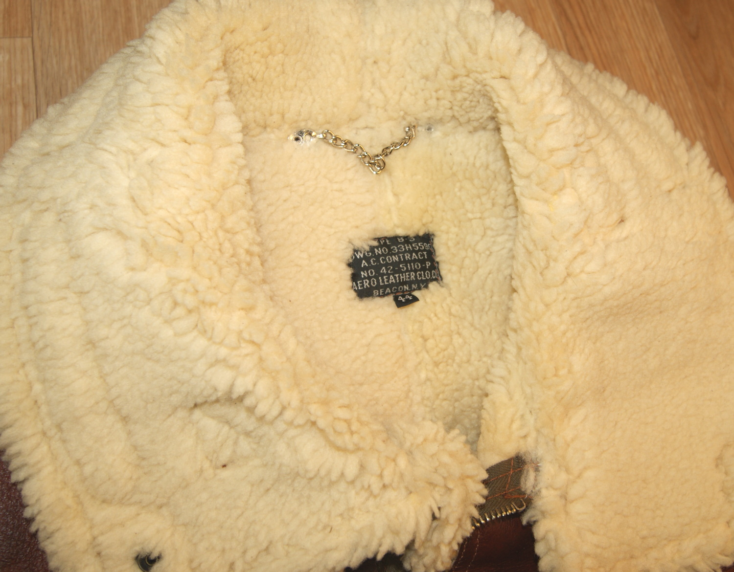 Aero B-3 Redskin 15mm thinner shearling collar.jpg