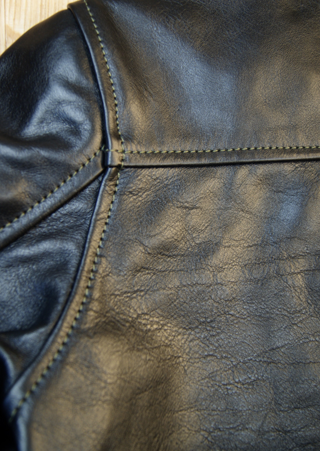 Aero Board Racer Blackened Brown Vicenza Horsehide ZSL shoulder seam.jpg
