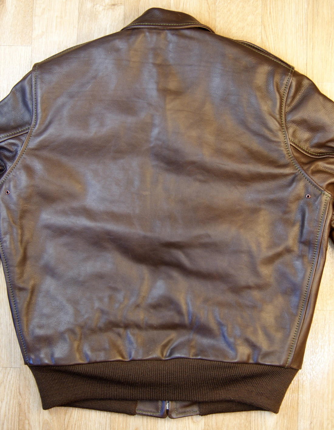 Aero Happy Days Seal Vicenza Horsehide back.jpg