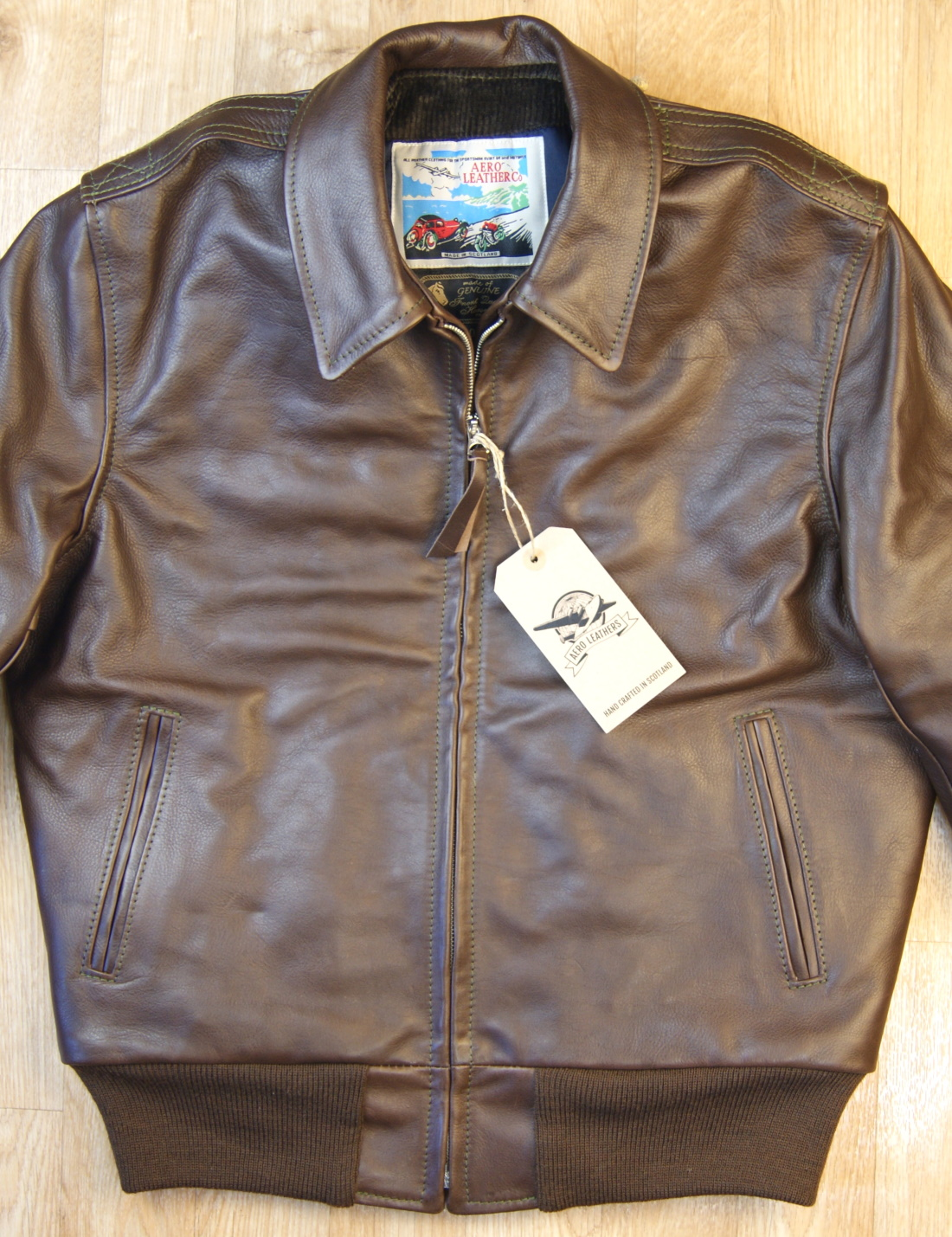 Aero Happy Days Seal Vicenza Horsehide front.jpg