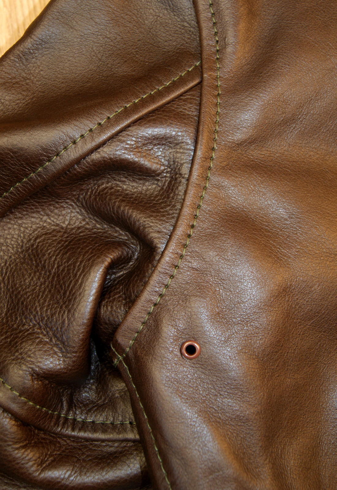 Aero Happy Days Seal Vicenza Horsehide shoulder seam.jpg