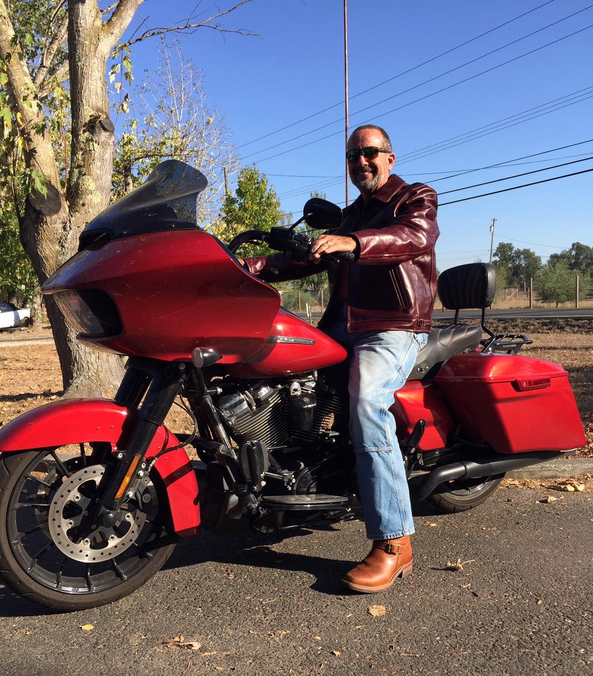 Aero Highwayman customer fit photo with bike 4.jpg