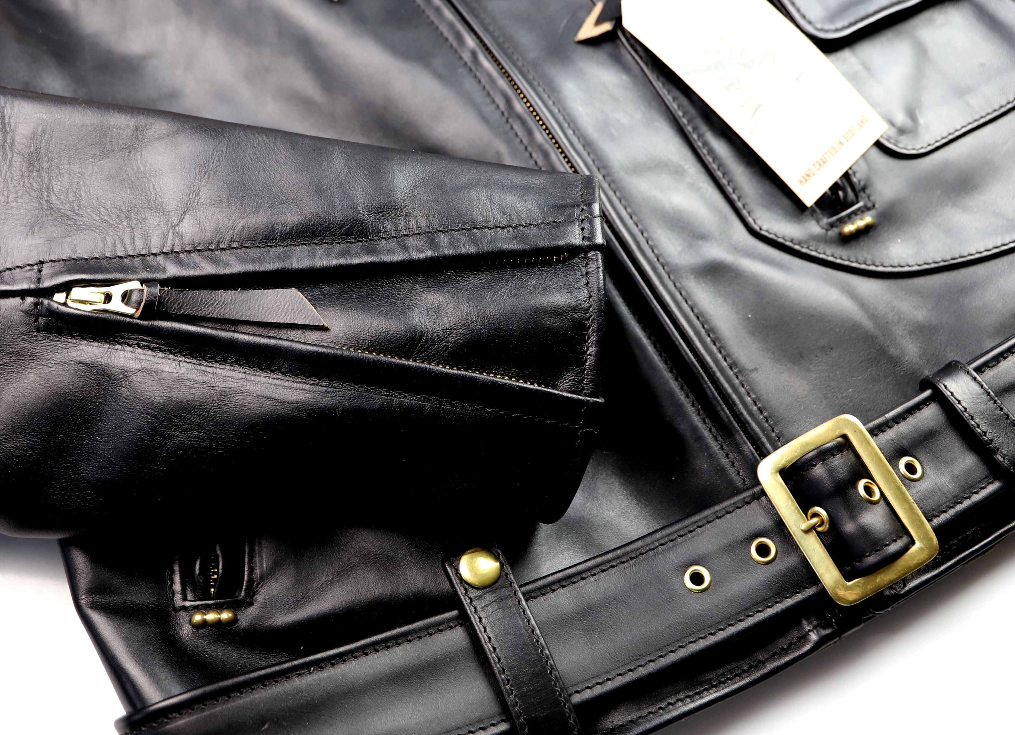 Aero J106 Black CXL FQHH RF1 sleeve zipper.jpg