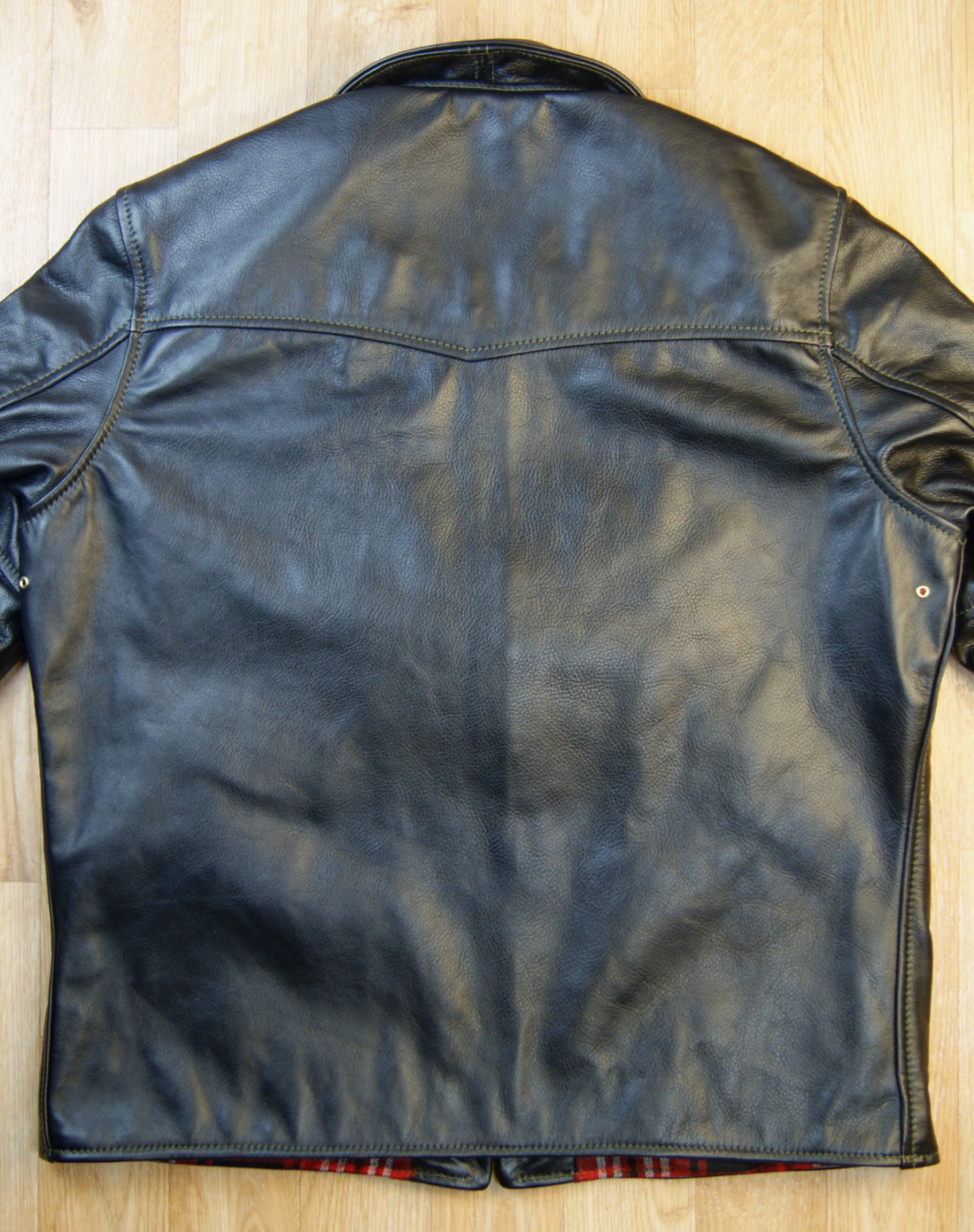Aero Seven Blackened Brown Vicenza Horsehide XKE back.jpg