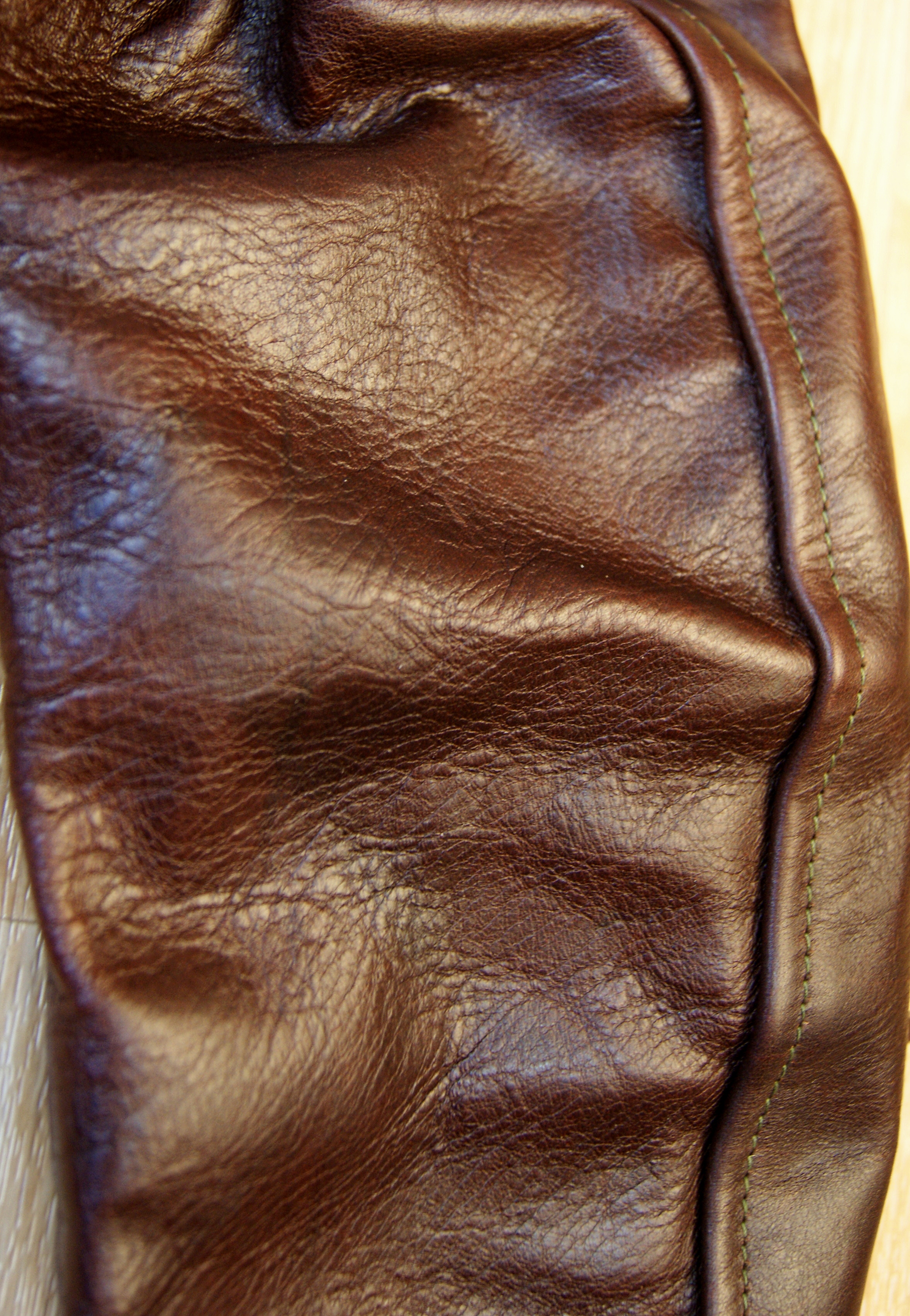 Aero Seven Tumbled Brown CXL FQHH GYA4 sleeve grain.jpg