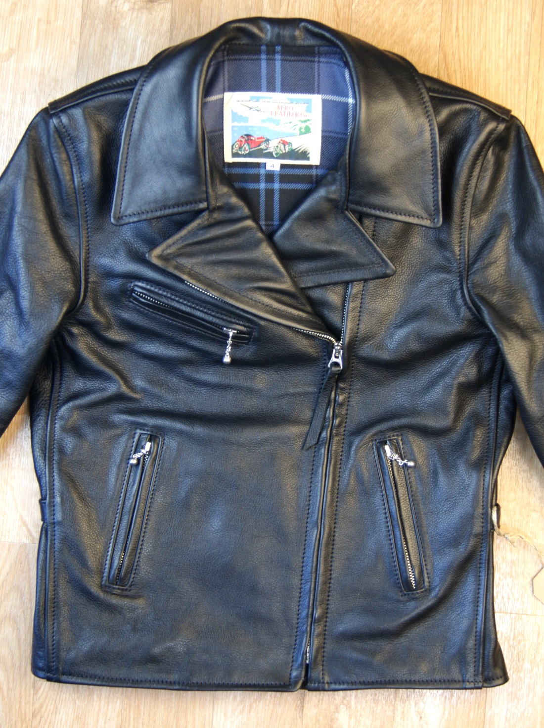 Aero Women's Hooch Hauler Black Vicenza Horsehide front.jpg