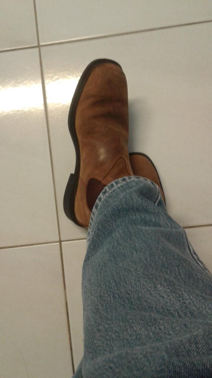 Blundstone dress boots.jpg