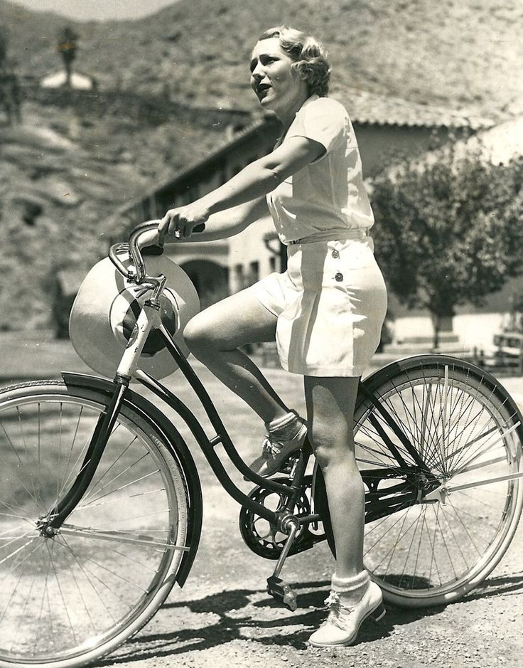bond & bike 3 mary-pickford.jpg