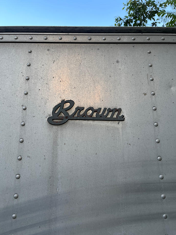 Brown_Trailer.jpg