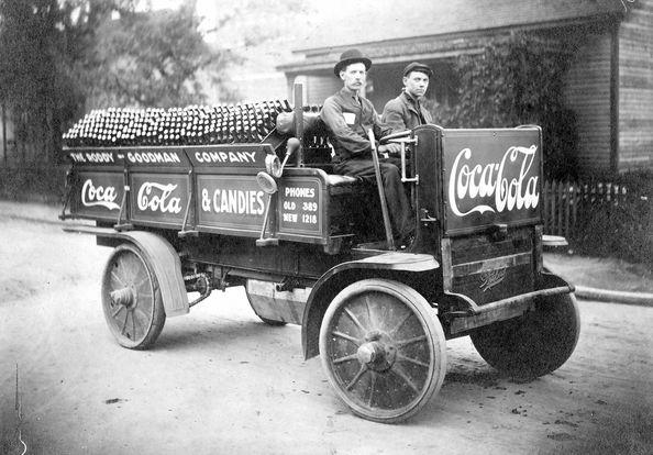 Coca_Cola_Truck_1909.jpg