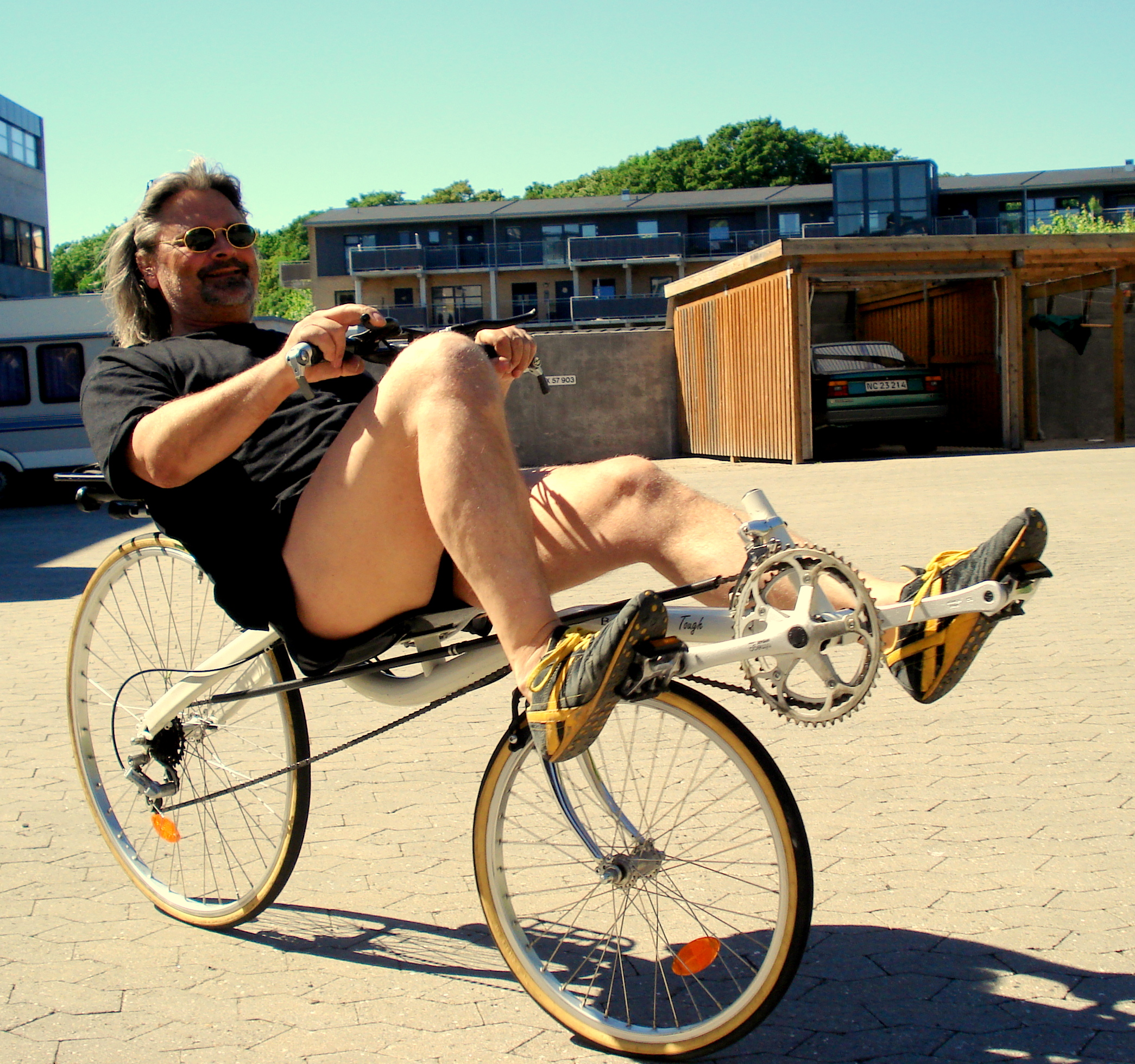 cykling i gården 005.jpg