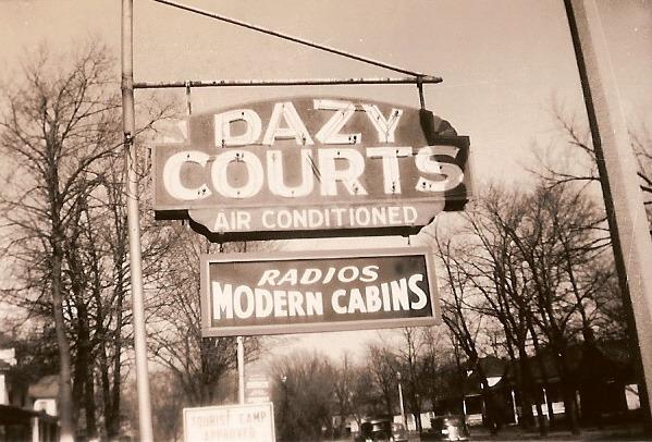 Dazy_Courts_1.jpg