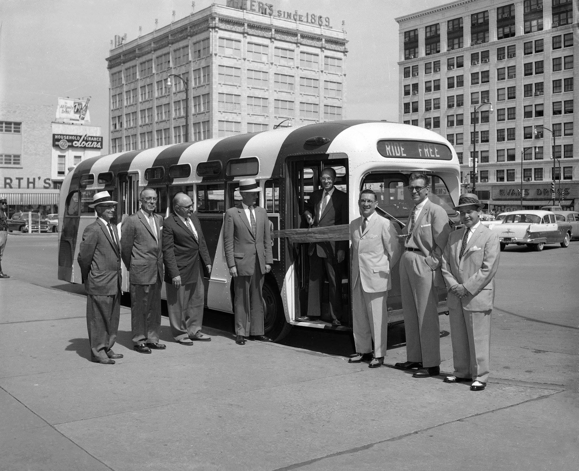 Free_Bus_1959.jpg