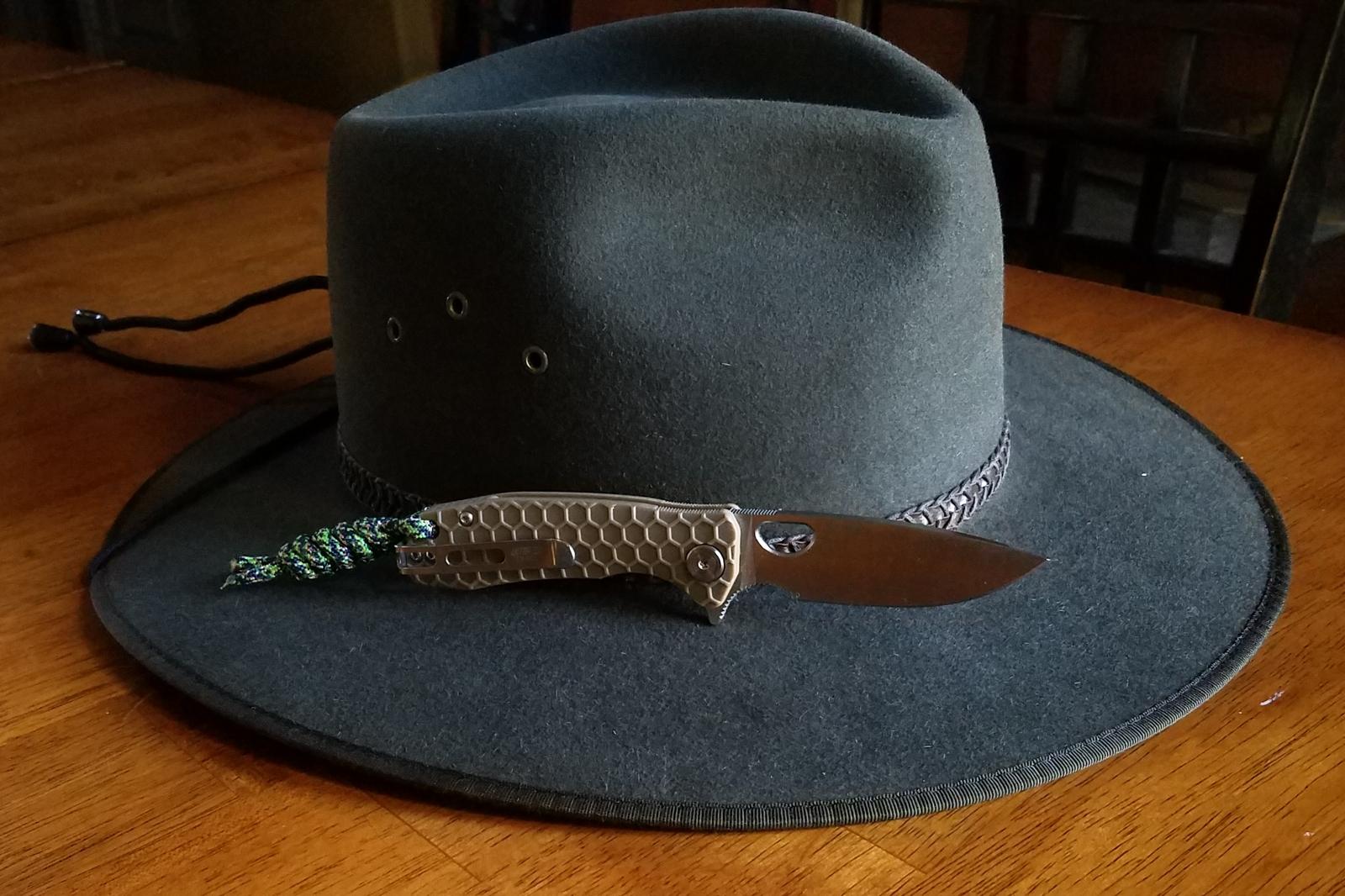 hat3.s.jpg