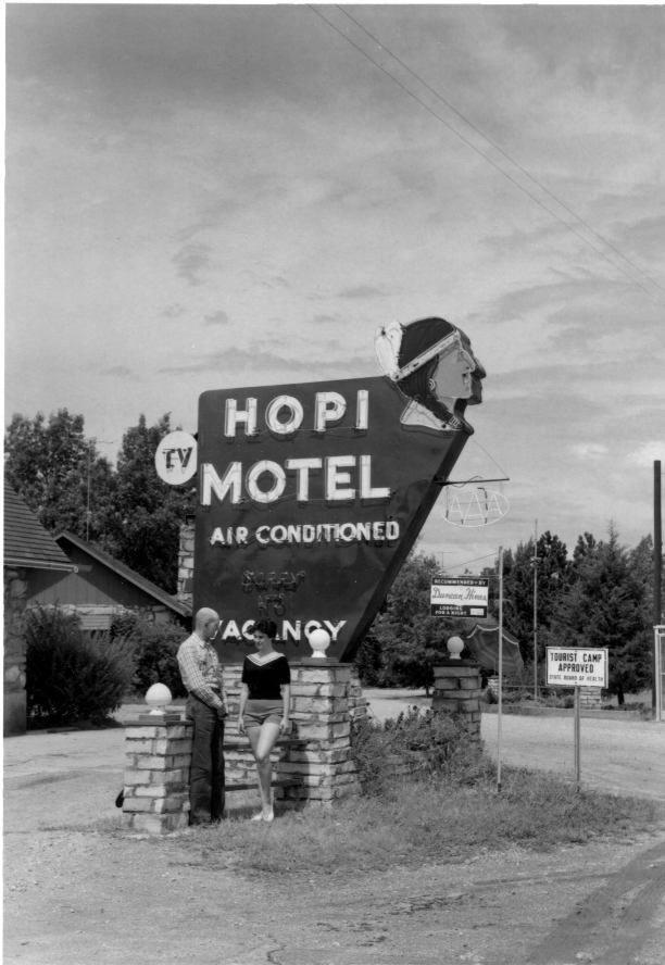 Hopi_Motel_1.jpg