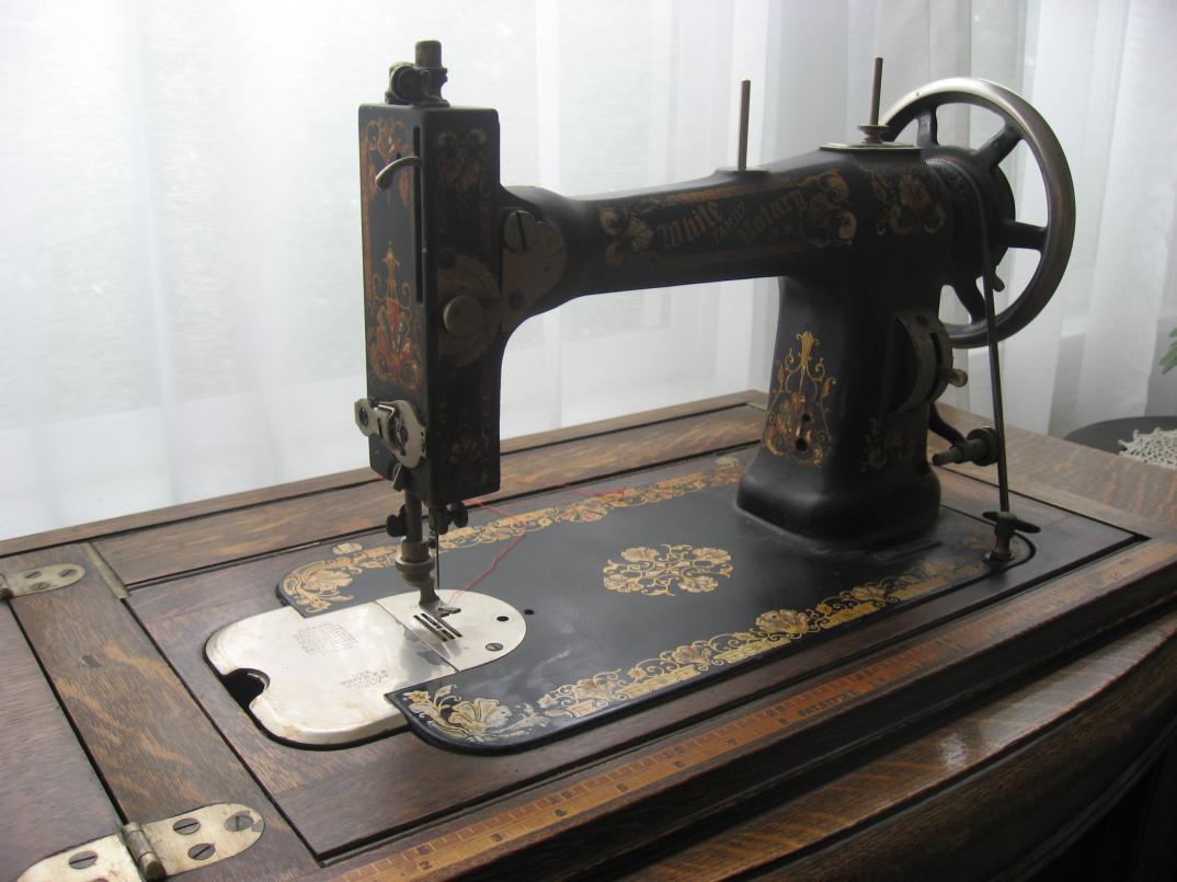 Anybody Else Collect Sewing Machines Page 10 The Fedora Lounge Necchi Supernova Machine Threading Diagram Vintage Img 3624 3625