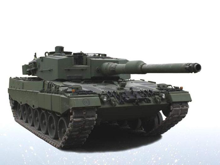 leopard-2a4-02.jpg