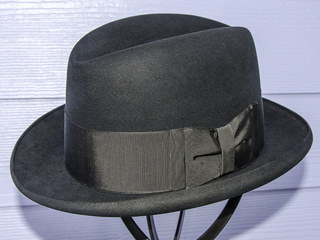 Lord's Hat side with bow.jpg