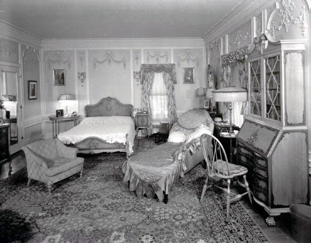 MrsPhillipsBedroom1930.jpg