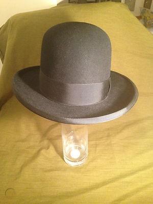 Sevilla Hat 2.jpg
