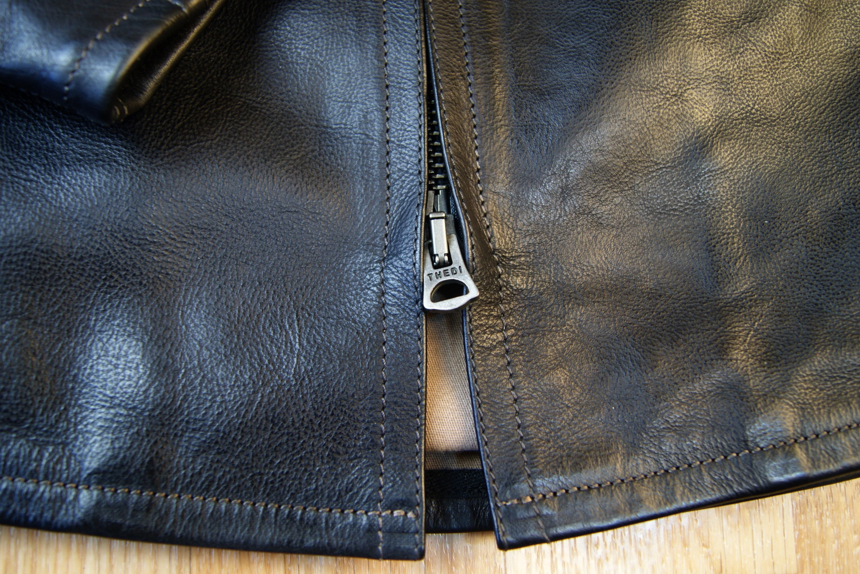 Thedi Phenix Black Buffalo THP19 bottom zipper.jpg