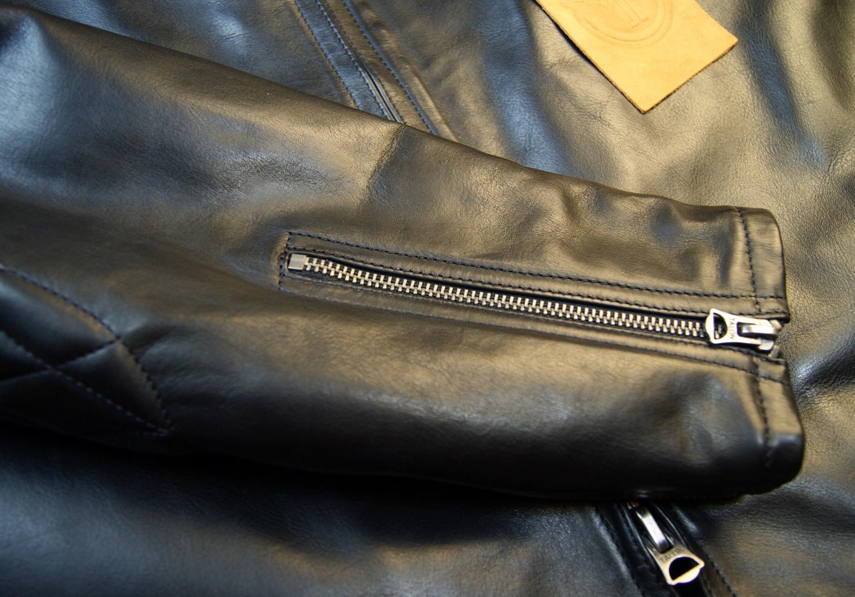 Thedi Phenix Black Horsehide THP15 sleeve zip.jpg