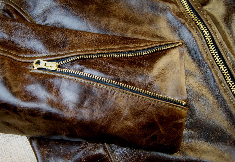 Vanson Comet Dark Maple Bainbridge sleeve zip.jpg