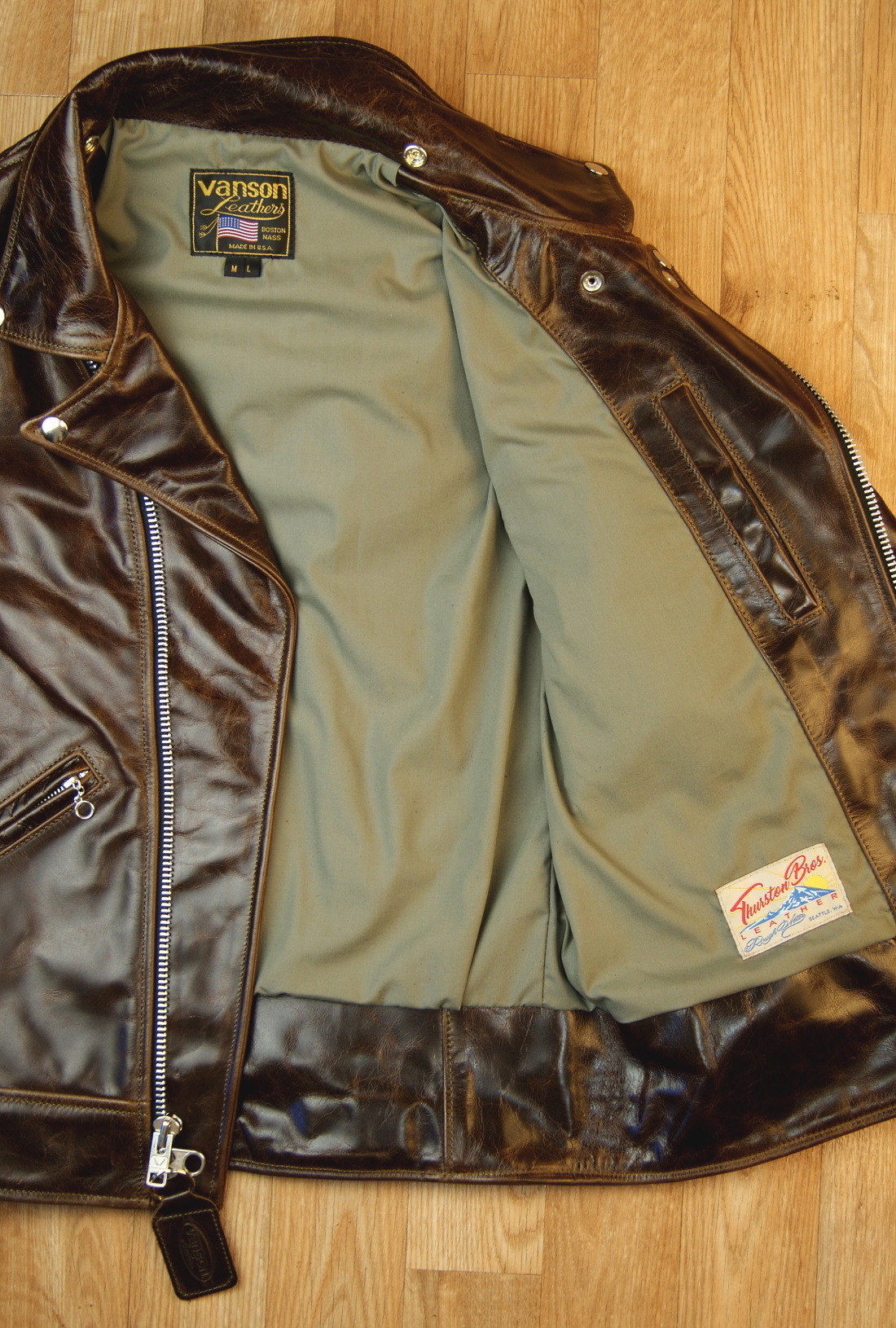 Vanson Daredevil Bainbridge ML with Olive Tan Lining Front Open.jpg
