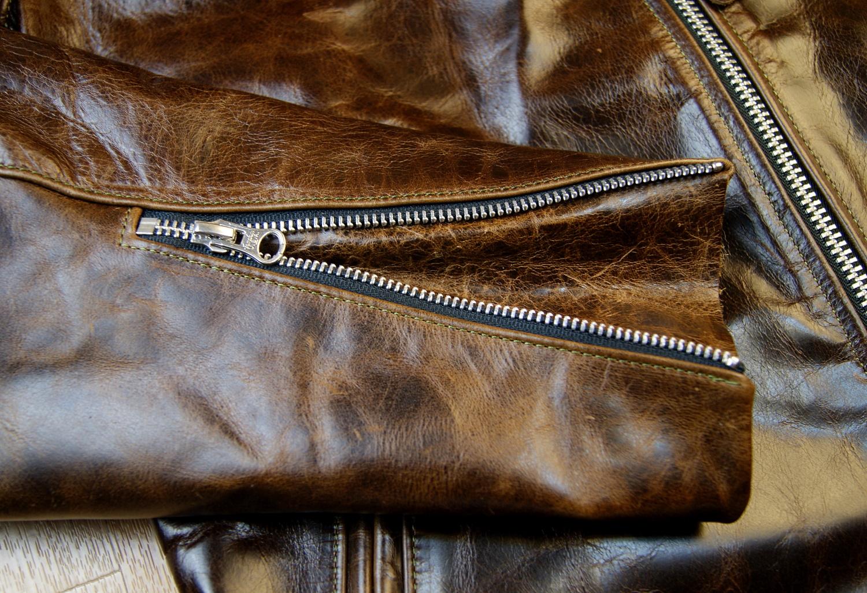 Vanson Oxford Dark Maple Bainbridge 38GV sleeve zip.jpg