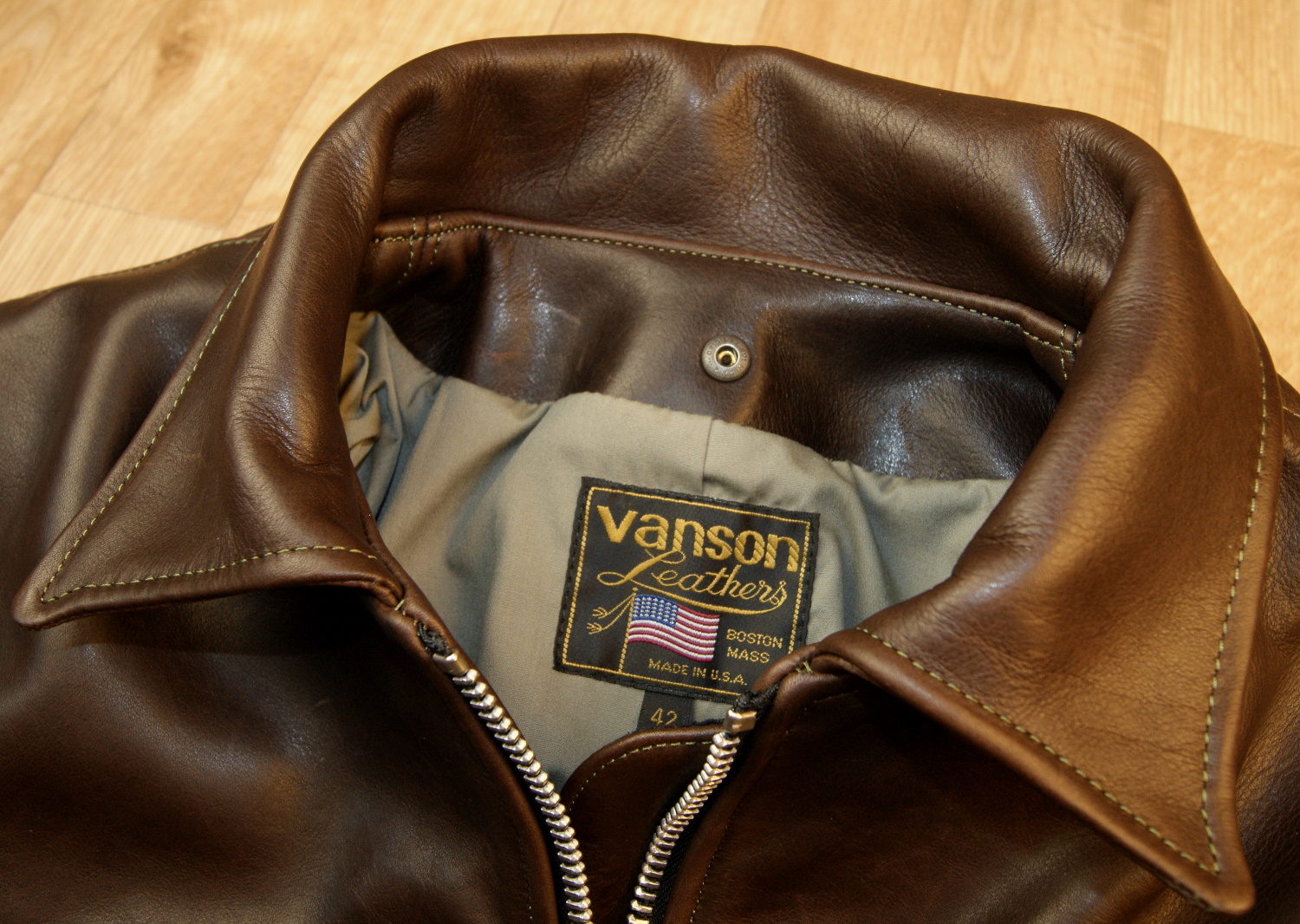 Vanson Oxford Whidley leather tag.jpg