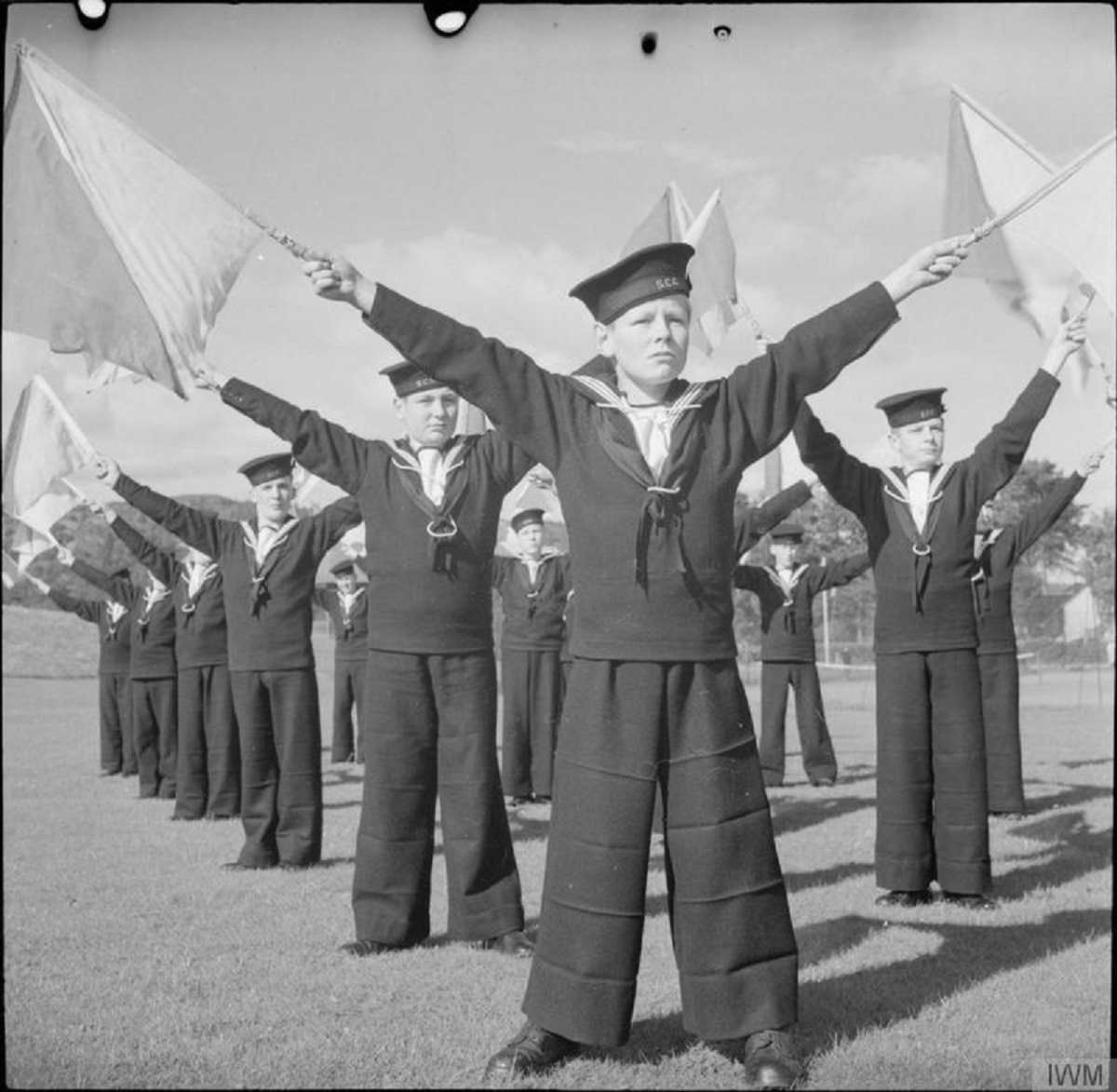 WW2 HMS UNDINE Sea Cadets -- note horiz creases both same in&out and opposite L2R.jpg
