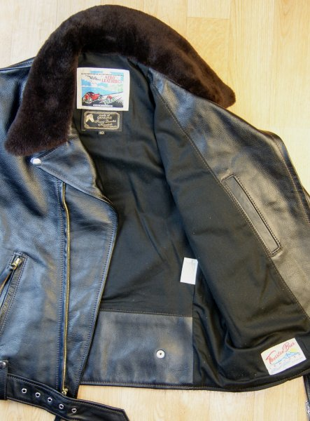 Aero Daytona Ridley Blackened Brown Vicenza Dark Brown fur collar open.jpg